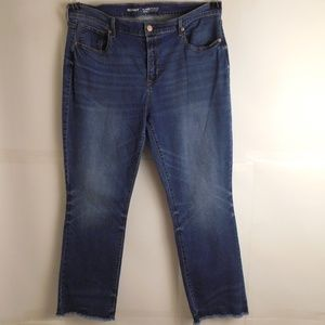 5099...Old Navy Straight leg Jeans Size 16Tall